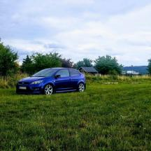 - Ford focus ST 2,5